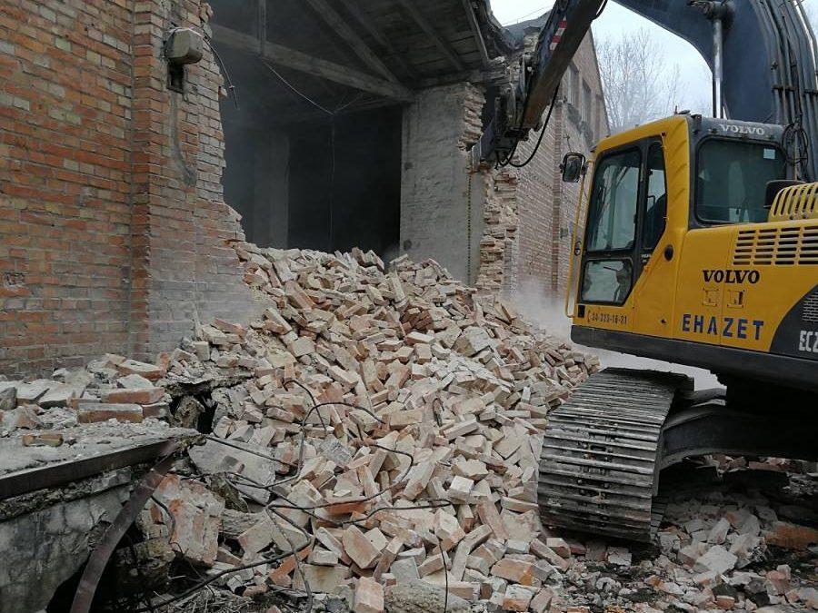 Rozbiórki budynków – wyburzenia
